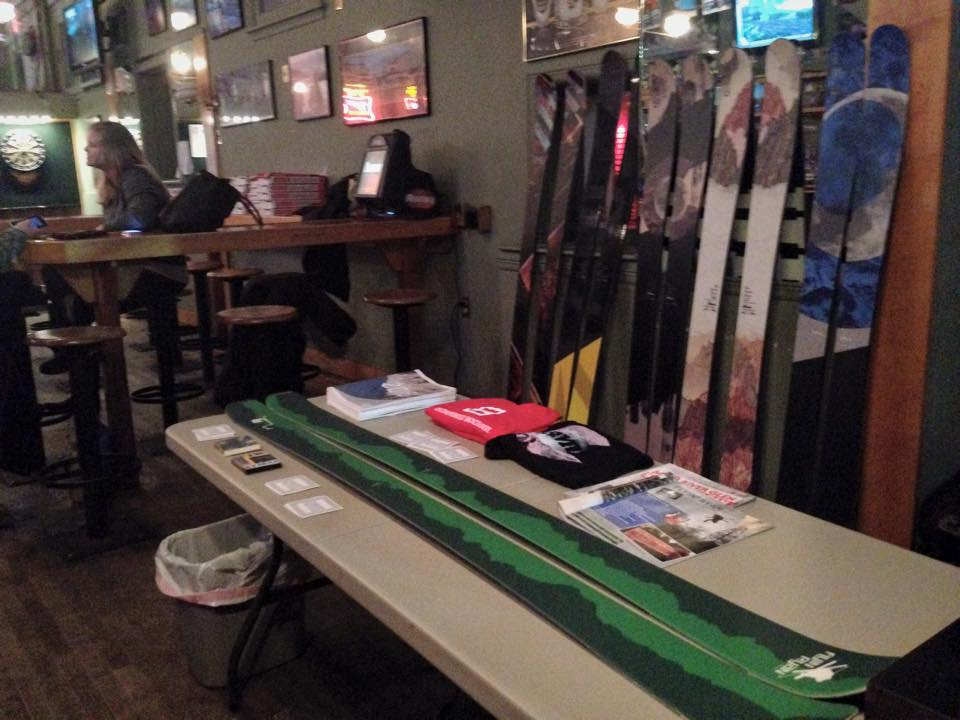 Skis at akes